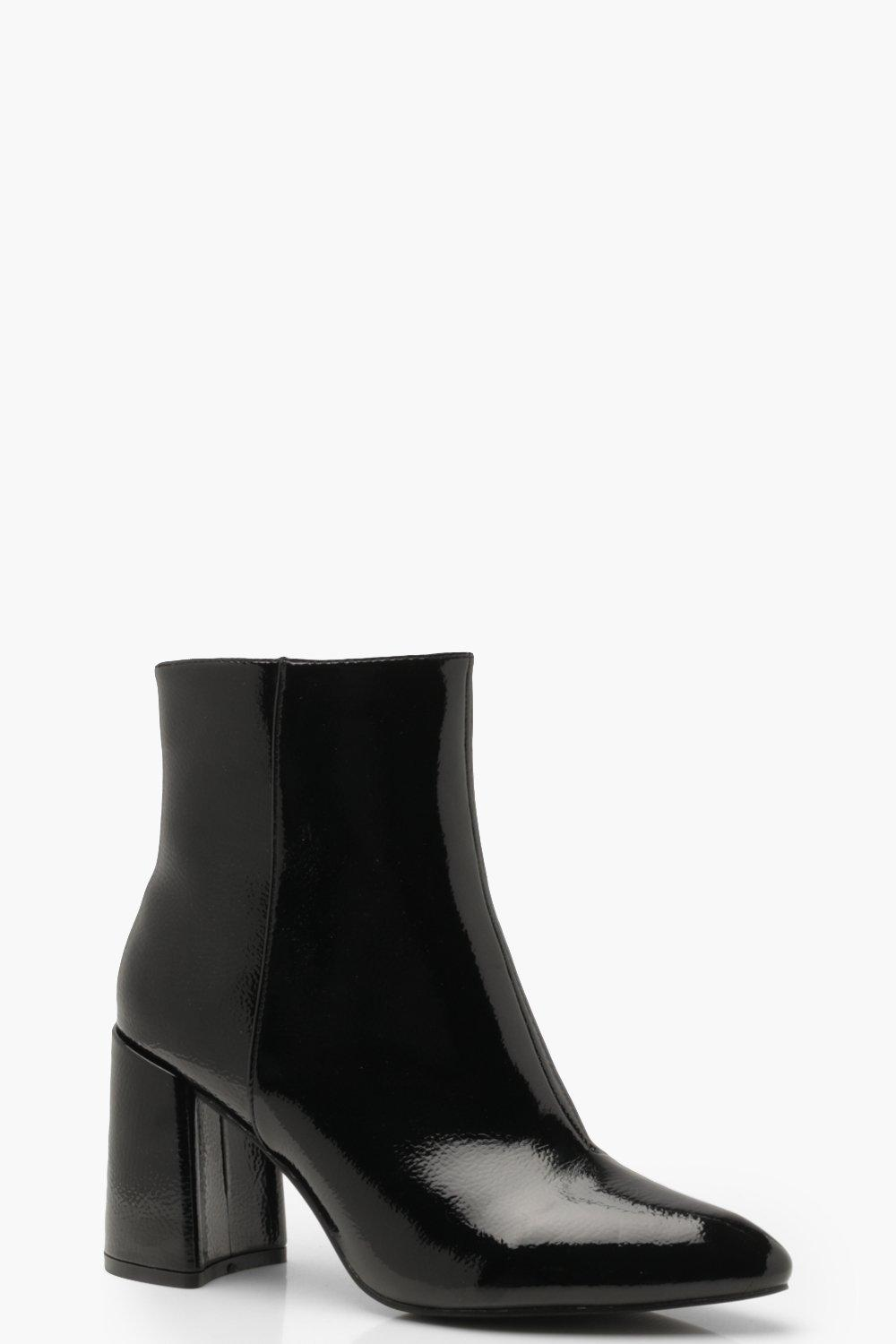 Don't Miss Out Block Heel Pointed Shoe Boots