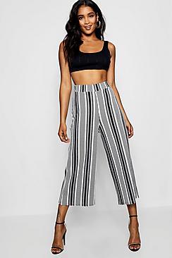 Hosenrock mit weitem Bein und einfarbigem Streifen - Boohoo.com
