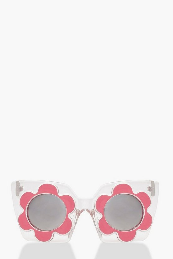 Oversized Daisy Sunglasses by Boohoo