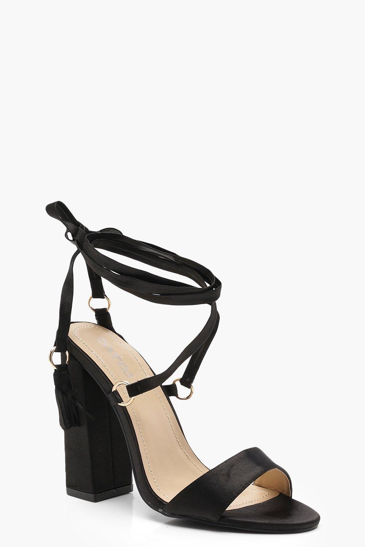 Купить Heels, Расклешенные сандалии на квадратном каблуке с ремешком вокруг ноги, boohoo