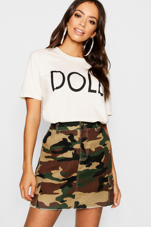 """Womens T-Shirt mit """"Doll""""-Slogan - Naturfarben - L, Naturfarben - Boohoo.com"""