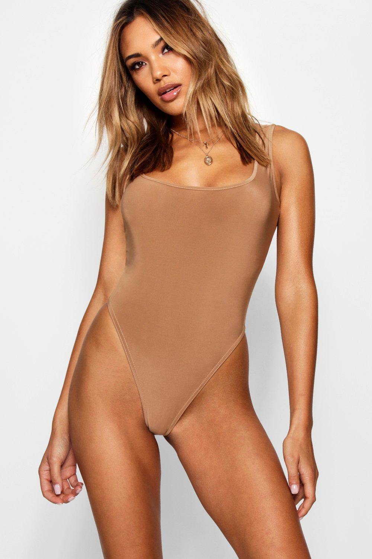 Womens Fließender Body mit viereckigem Halsausschnitt - camel - 40, Camel - Boohoo.com