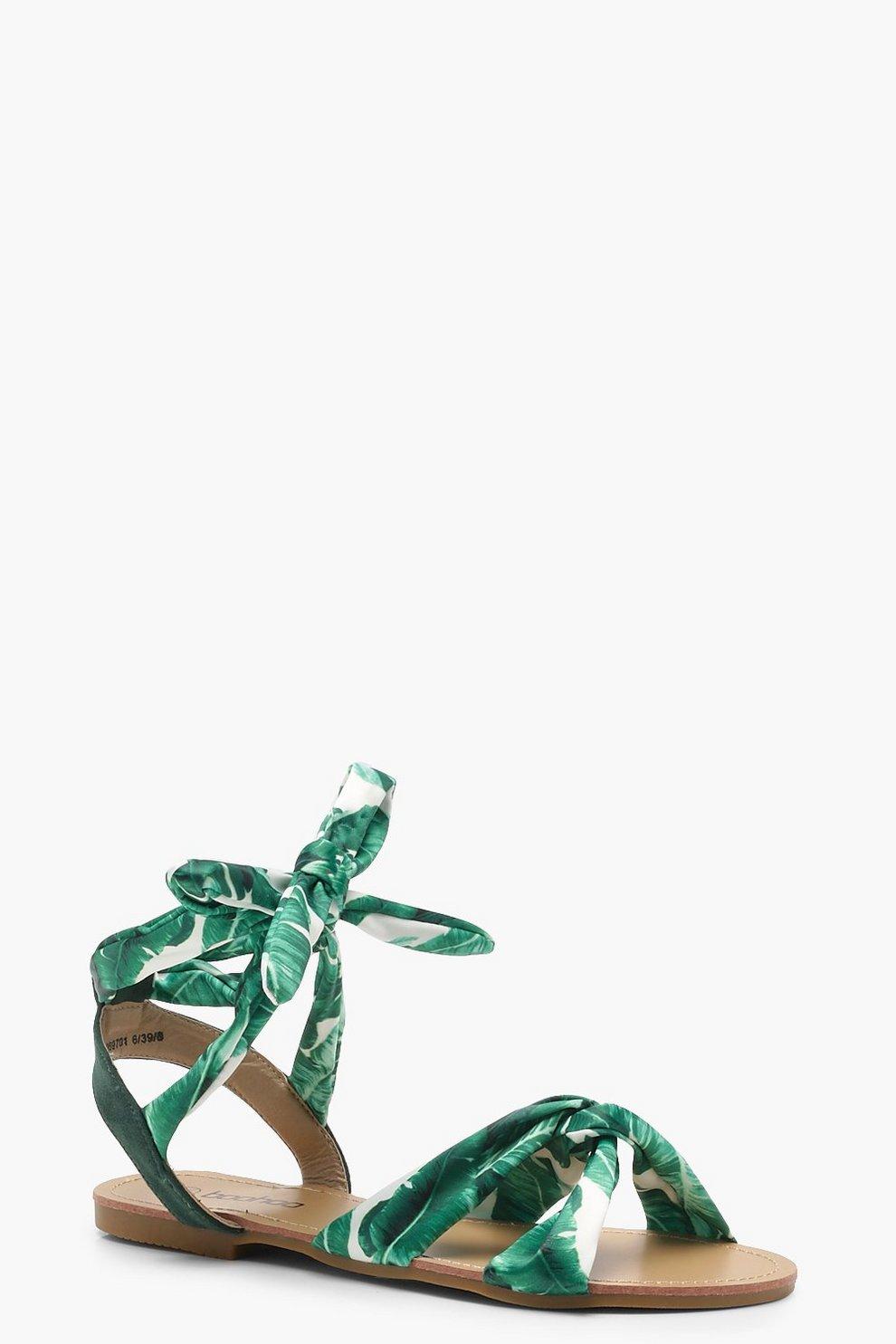 Sandali con fascette a strap con stampa tropicana Daisy boohoo verdi Floreale 4lupsW