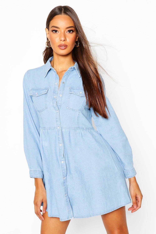 Womens Ausgestelltes Jeanskleid mit Knopfleiste und Taschen - light blue - 32, Light Blue - Boohoo.com
