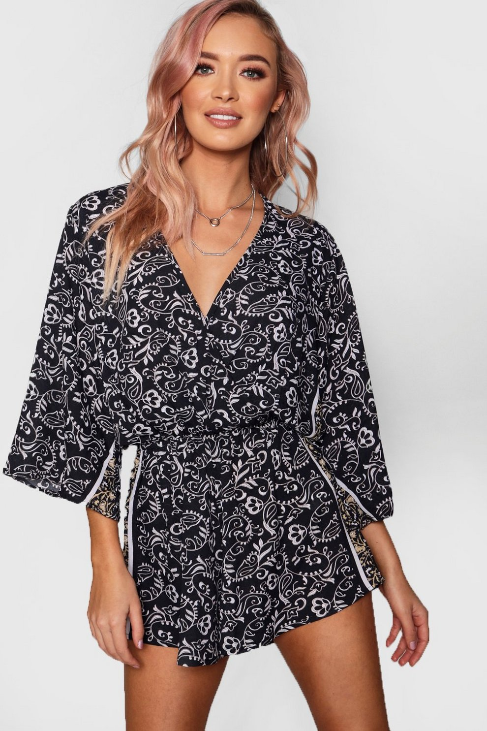 Outlet 2018 New Boohoo Scarf Print Kimono Sleeve Playsuit Discount Newest k120xWhTQ