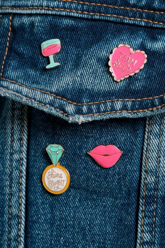 Jessica Team Bridge Hen Party Pin Badge Set