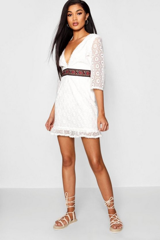 Lace Embroidered Waist Flared Sleeve Dress