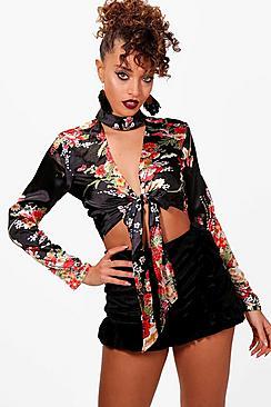 Oriental Bluse zum-Print und Kropfband - Boohoo.com