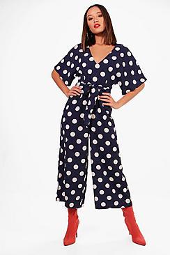 Maisie gepunkteter Jumpsuit mit Hosenrock und überschnittenen Schultern - Boohoo.com