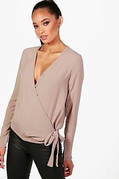 Lucy Bluse mit Wickelung - Boohoo.com