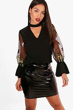 Kropfband mit Blumenstickerei Bluse aus Webmaterial - Boohoo.com