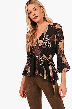 Bluse mit seitlichem Blumen-Print, Wickelung und Bindung - Boohoo.com