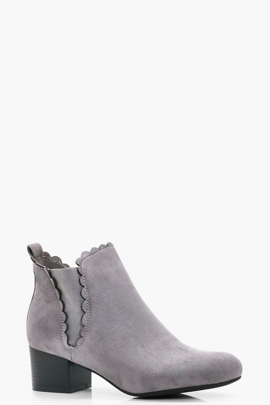 Kitty Scallop Trim Heel Pull On Chelsea