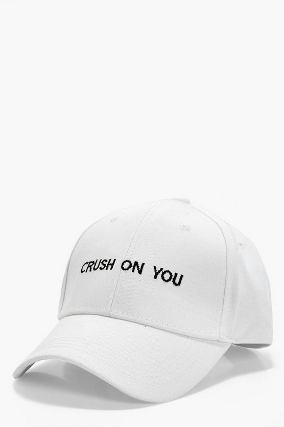 zoe cappellino con slogan crush on you
