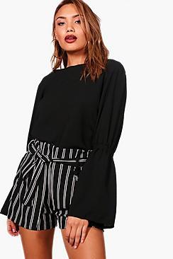 Lacey Bluse mit Rüschenärmeln - Boohoo.com