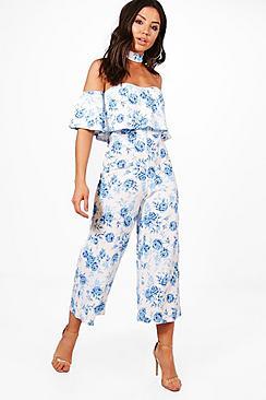 Gwen Jumpsuit mit Blumen-Print, Kropfband und Hosenrock - Boohoo.com