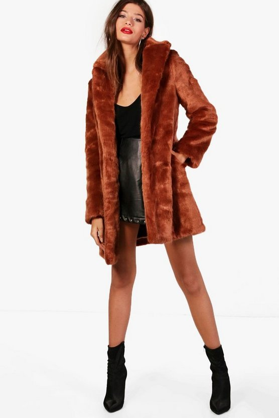 Boutique Elsie Rever Collar Faux Fur Coat
