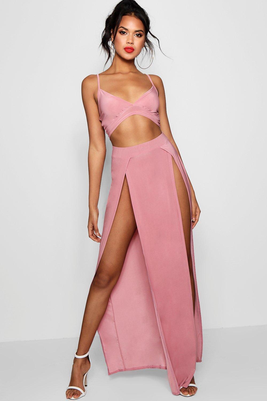 Womens Set aus Bralette und geschlitztem Maxirock aus glänzendem Jersey - rosé - 40, Rosé - Boohoo.com