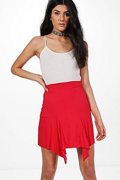 Lia Minirock aus Jersey mit asymmetrischem Saum - Boohoo.com