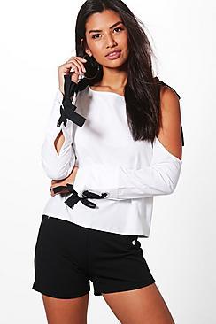 Maisie Bluse mit ausgeschnittenen Schultern, Bindung und geschnürten Bündchen - Boohoo.com