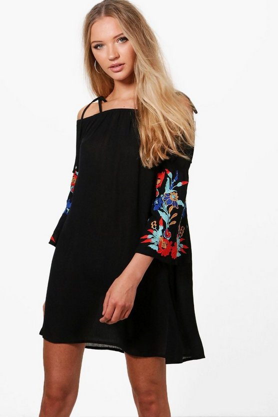 Boutique Sofia Embroidered Shift Dress