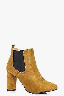 Lola Cylinder Heel Pull On Chelsea Boot