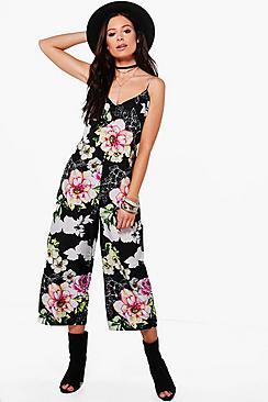 Jumpsuit mit Blumen-Print, rückseitiger Schnürung und Hosenrock - Boohoo.com