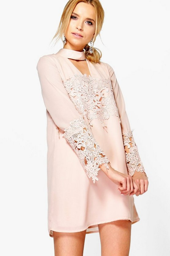 Si Choker Lace Flute Sleeve Shift Dress by Boohoo
