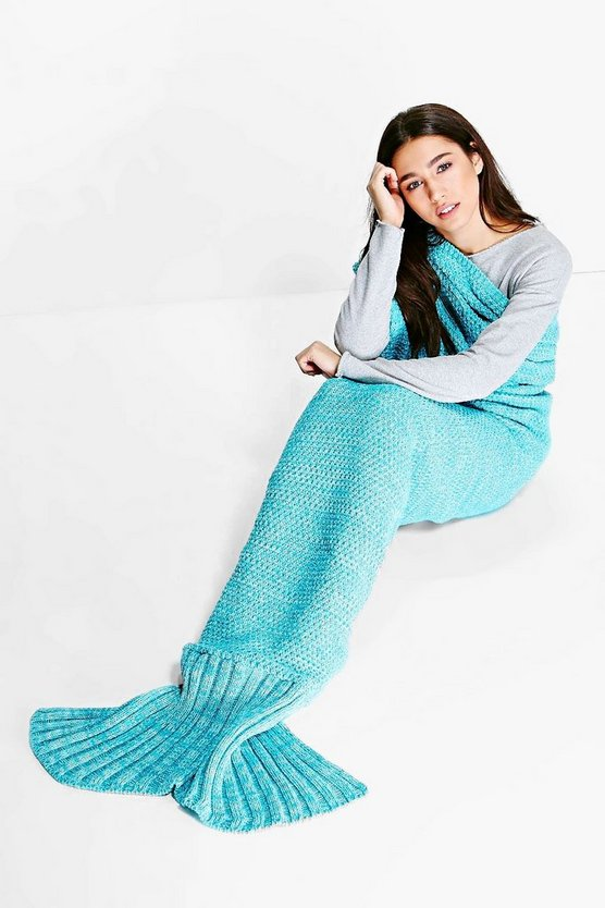 Twist Yarn Mermaid Tail Blanket