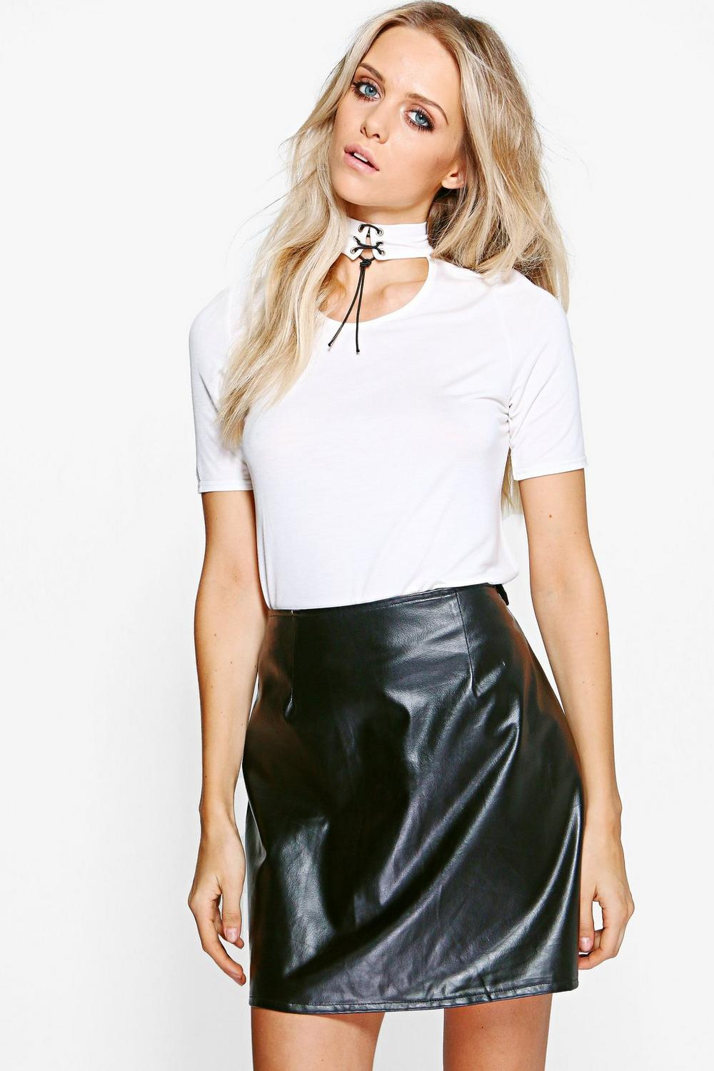 Norma Lace Up Choker S/S T-Shirt