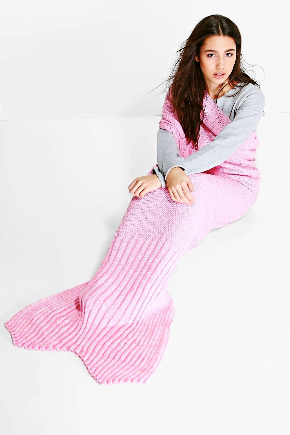 Mixed Pink Knitted Mermaid Tail Blanket