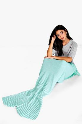 Mixed Mint Green Knitted Mermaid Tail Blanket