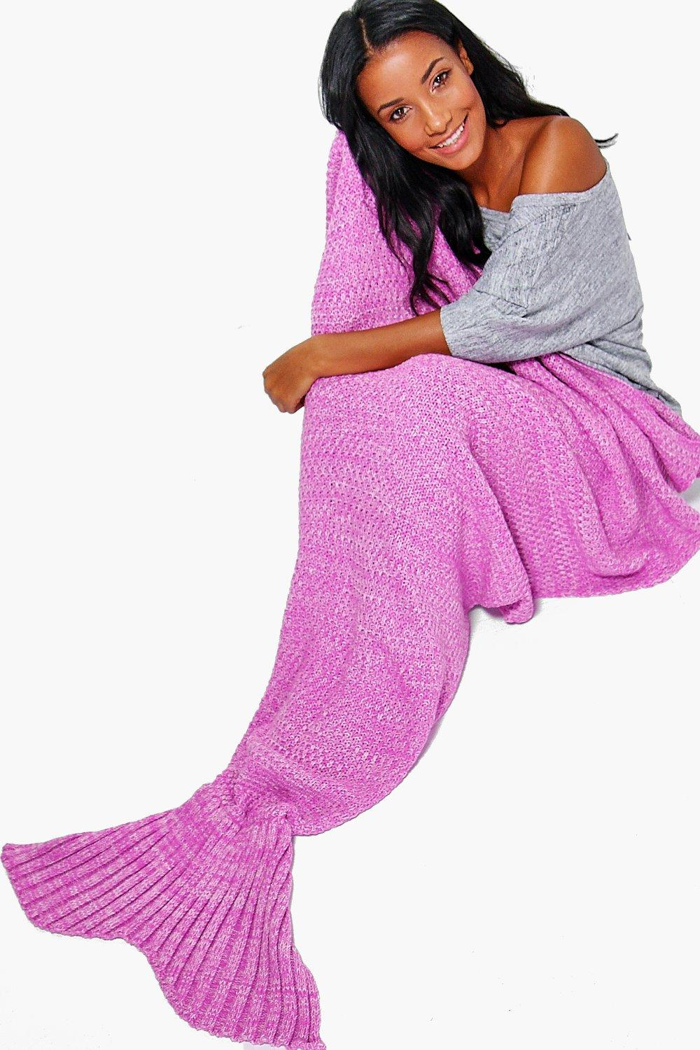 Brooke Knitted Mermaid Tail Blanket