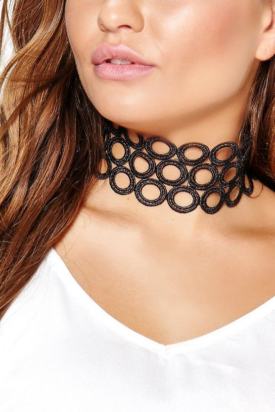 Daisy Circle Detail Wide Choker