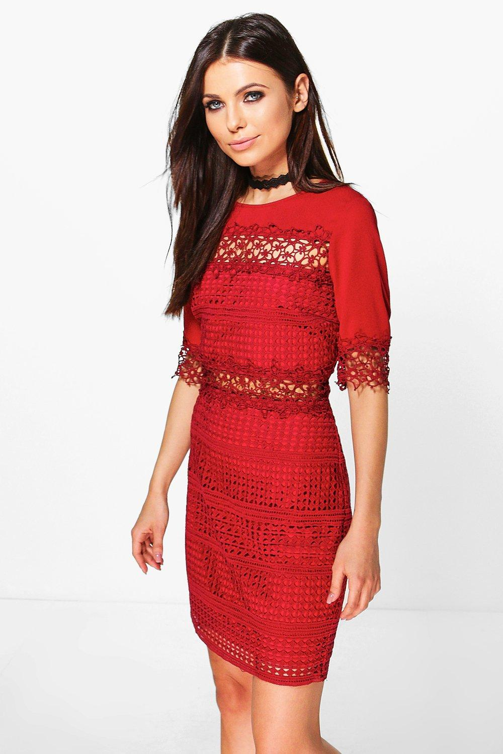 Boutique Alivia Lace Pannelled Fitted Dress