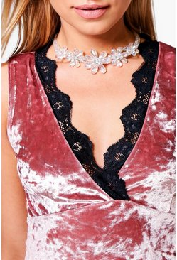 Ivy 3D Flower Encrusted Statement Choker