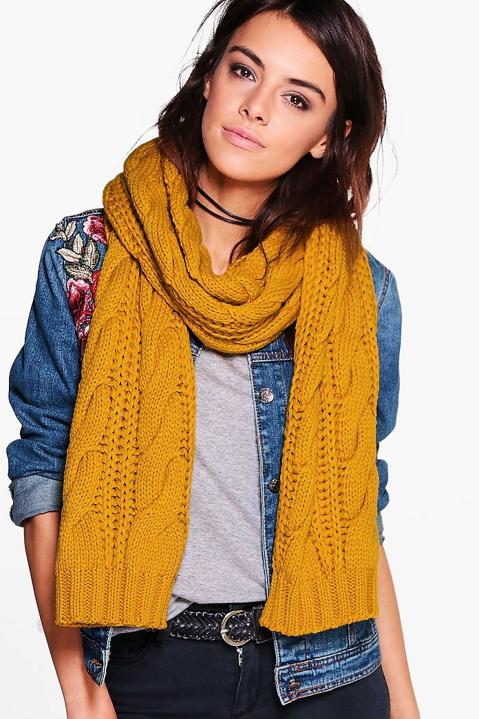 Laura Chunky Cable Knit Scarf