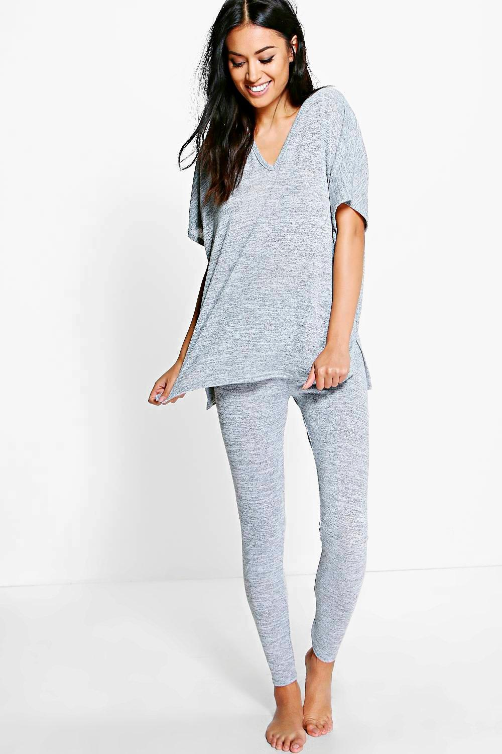 Product Features This tunic sweatshirt can be worn with leggings, high heels,boots etc.