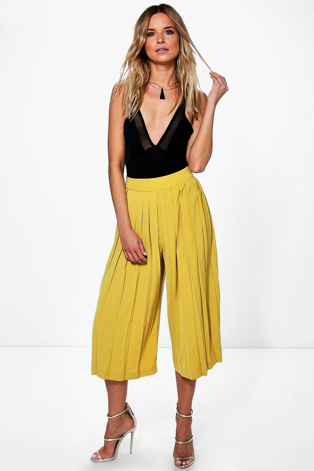 Boutique Zahara Woven Pleated Tailored Culottes