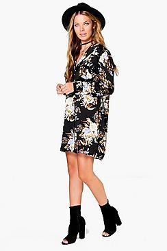 Fleur Hemd in Satin-Optik mit Fleur Nachthemd Blumen-Print - Boohoo.com