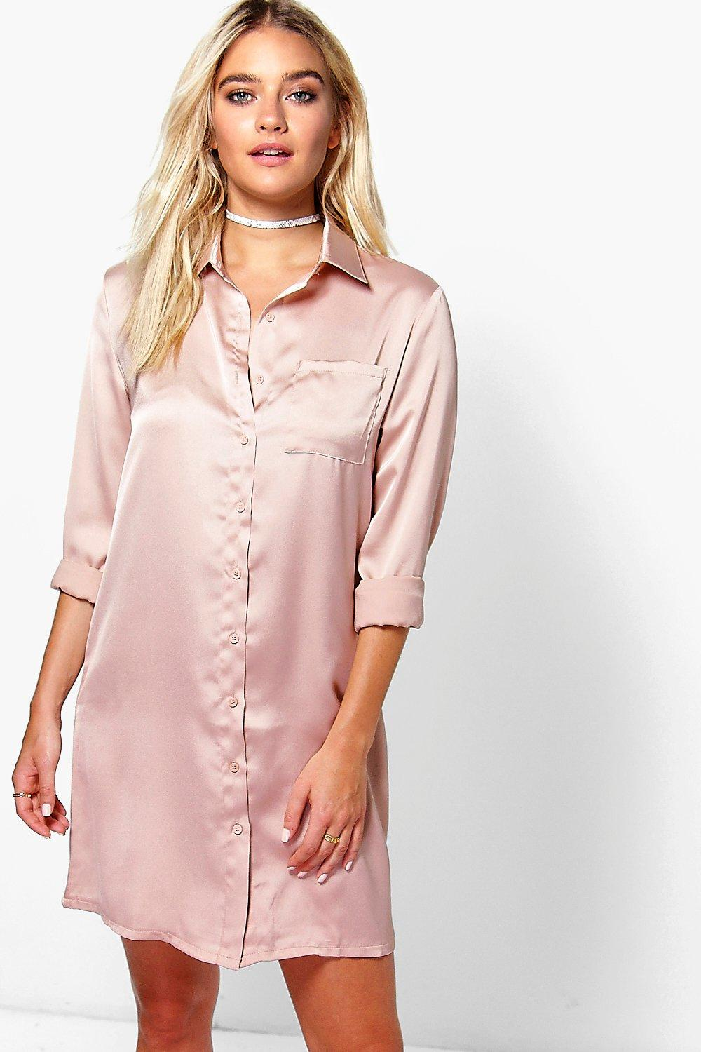 Our dress shirts for women feature a wide array of comfortable materials and fashionable cuts that improve every women's clothing options. Choose from an assortment of women's dress shirts including dynamic non-iron, fitted and tailored styles.
