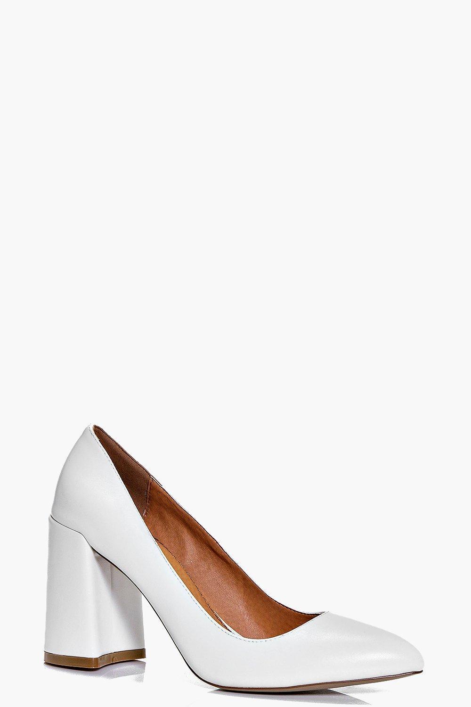 Pointed Block Heel Court white