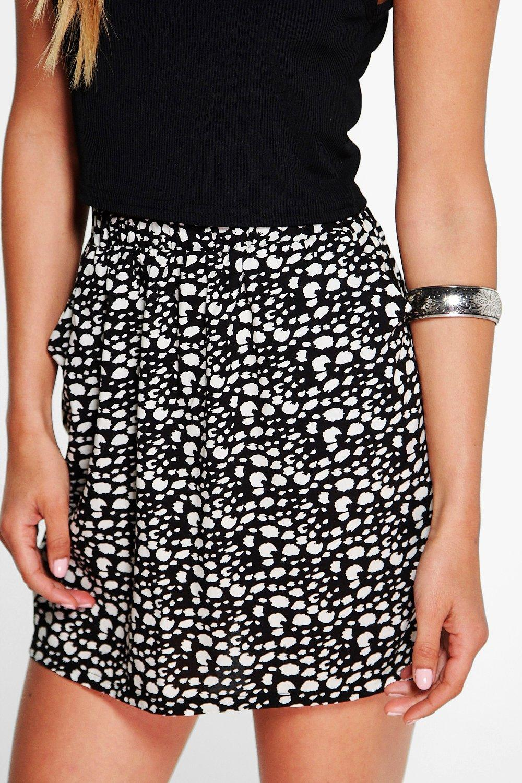 boohoo womens zenara polka dot woven mini skirt in black