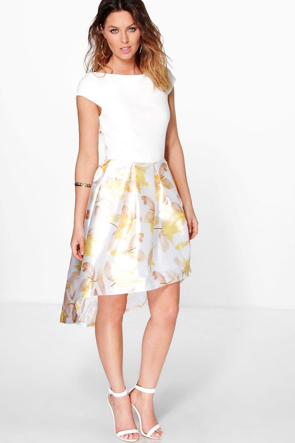 vestido skater de satén con bajo asimétrico y estampado floral dory boutique