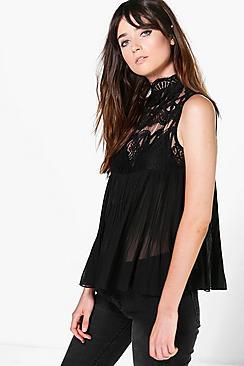 Katie Ärmellose, plissierte Bluse mit hohem Spitzenkragen - Boohoo.com