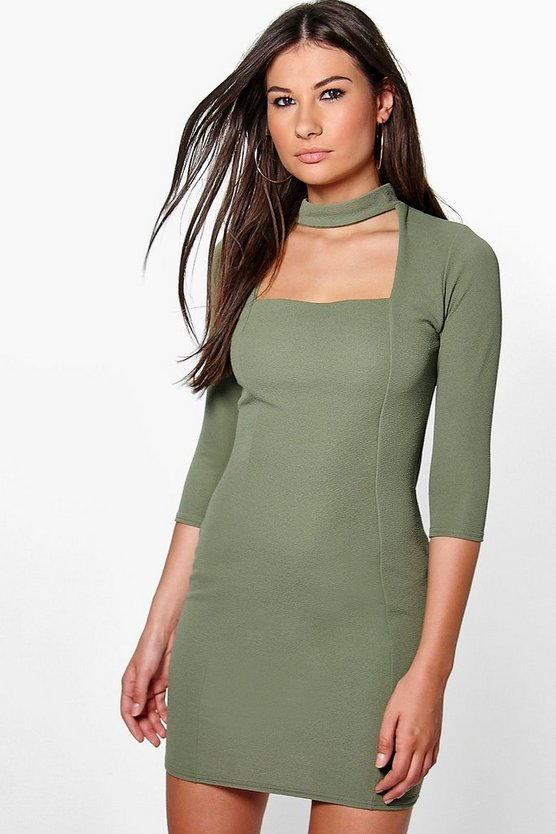 vestido bodycon midi cut-out con cuello alto lucretia