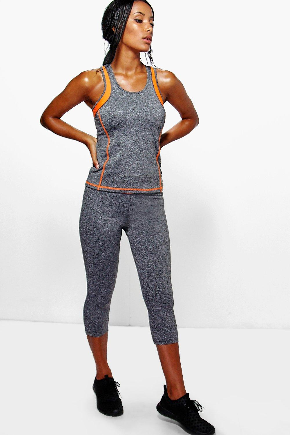 Lacey Performance Contrast Band Capri Leggings