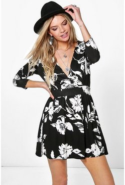 Lilith 3/4 Sleeve Floral Plunge Wrap Dress