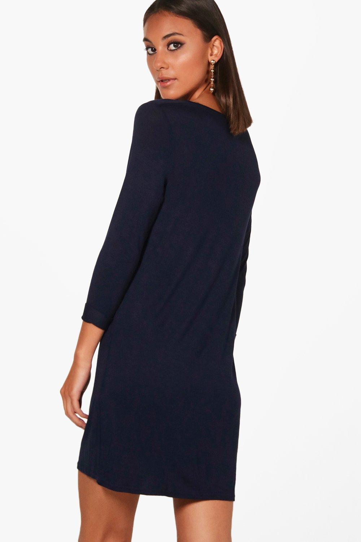 boohoo hayley robe droite t shirt col en v pour femme. Black Bedroom Furniture Sets. Home Design Ideas