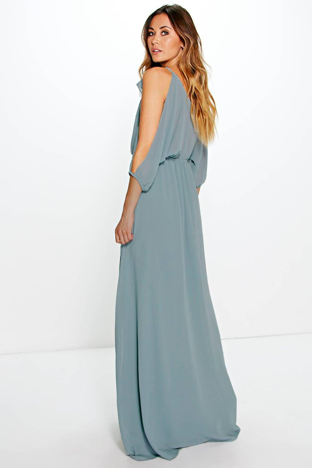 A maxi dress is also known as a floor-skimmer, because the hem falls just above the ground, while a midi dress falls between the ankle and knee. Maxis are perfect for taller women, but petite women .